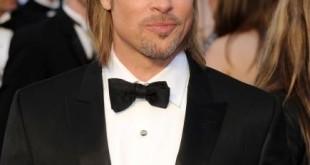 Brad Pitt durante gli Oscar 2012