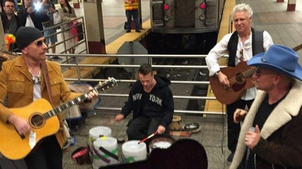 U2: concerto a sorpresa nella Metro di New York