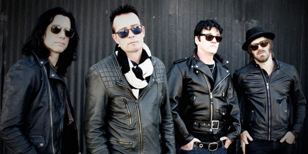 Scott-Weiland-The-Wildabouts-2015