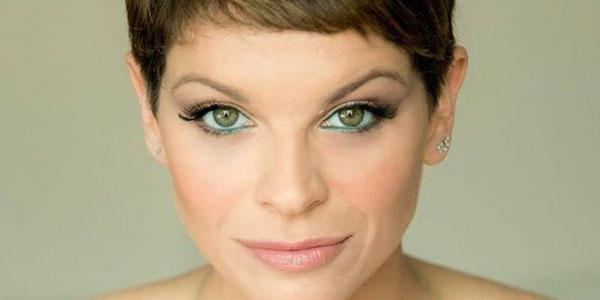 Alessandra Amoroso: testo e audio nuovo singolo Vivere A Colori