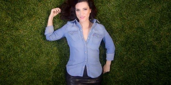 Laura Pausini: ecco il video di Simili con i Braccialetti Rossi