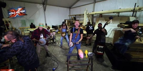 Iron Mais: con Paranoid il rock diventa cowpunk – video