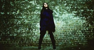 PJ Harvey by Maria Mochnacz