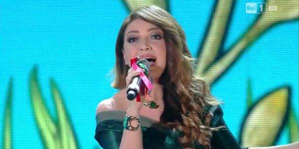 Cristina D'Avena magica sul palco di Sanremo 2016 – video