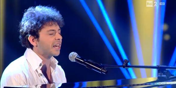 The Voice Of Italy 4: Fabio De Vincente e il suo piano passano le Blind Audition (video)