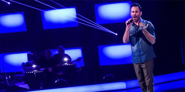 The Voice 4: il cantante lirico Davide Carbone eliminato da Max Pezzali (video)
