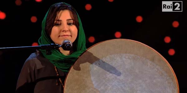 Kimia Ghorbani: un'iraniana a The Voice 4 nel Team Pezzali (video)