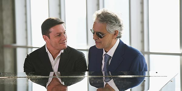 Bocelli And Zanetti Night: stasera su Canale 5 l'evento benefico con le star di musica e calcio