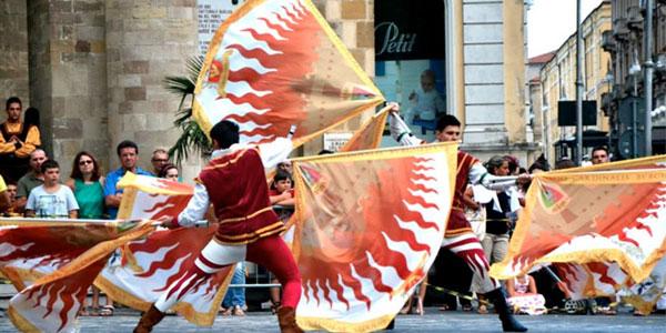 Faenza: gli Sbandieratori Faentini da Papa Francesco oggi 6 aprile