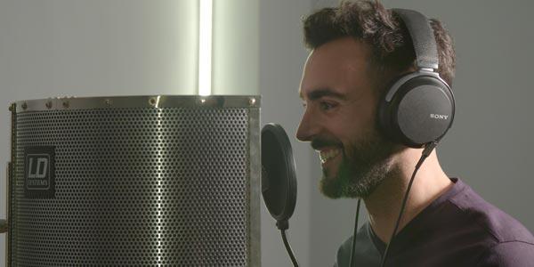 Marco Mengoni diventa la voce dell'app Waze per guidare i fan