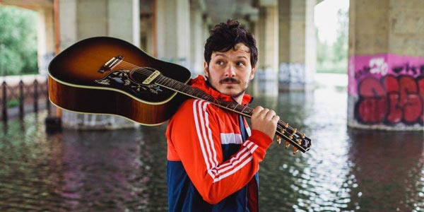 Il musicista di strada Soltanto presenta il nuovo album Skye