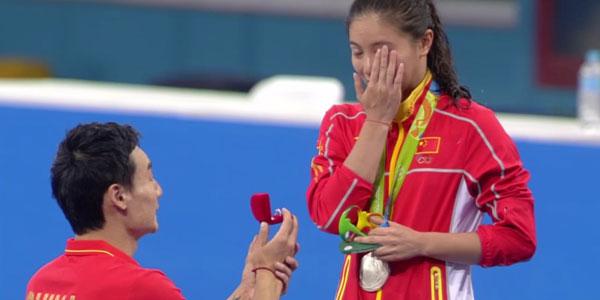 Olimpiadi Rio 2016, Tuffi: proposta di matrimonio in diretta – video