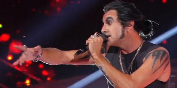Tale E Quale Show: Sergio Assisi diventa rock per Piero Pelù – video