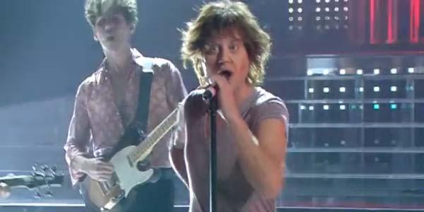 Tale e Quale Show: Enrico Papi si trasforma nel rocker Mick Jagger – video