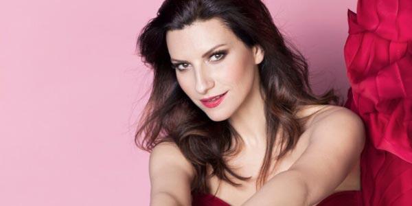 Laura Pausini Adeste Fideles testo e audio