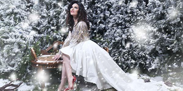 Laura Pausini testo e audio Santa Claus Is Coming To Town