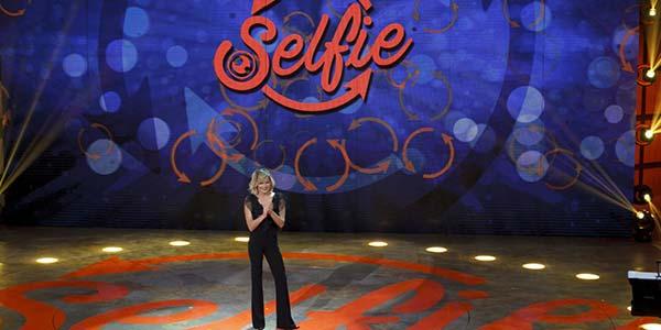 Selfie anticipazioni rissa Paola Caruso Alessia Macari