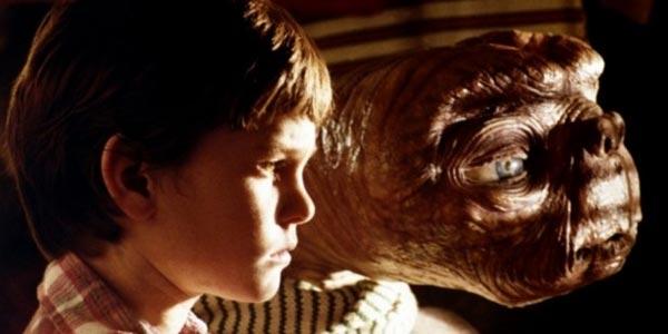 E.T. l'extra-terrestre, film stasera in tv su Italia 1: trama