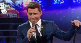 Na Tale E Quale Show Francesco Cicchella imita Michael Bublé