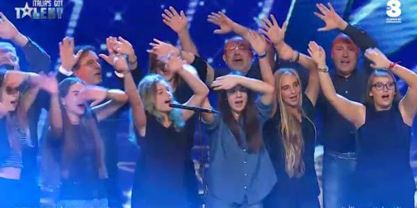 Italias Got Talent 2017 Summertime Choir Mamma Mia video