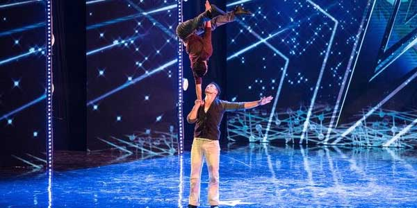 Italia's Got Talent 2017: Tatan e Willy acrobati per solidarietà – video
