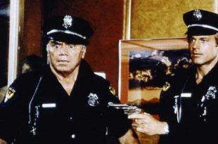 Poliziotto Superpiù stasera in tv Rete 4 trama