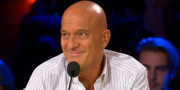Italia's Got Talent 2017 Claudio Bisio assistente mago video
