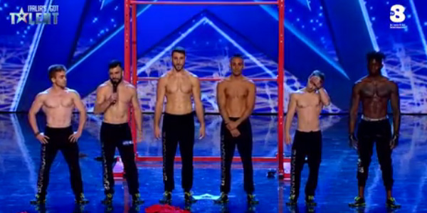 Italia's Got Talent 2017: il Team Burningate e muscoli a gogo – video
