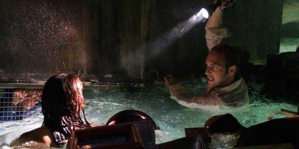 Poseidon, film stasera in tv su Canale 5: trama