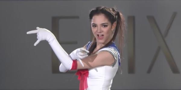 La pattinatrice Evgenia Medvedeva diventa Sailor Moon sul ghiaccio – video