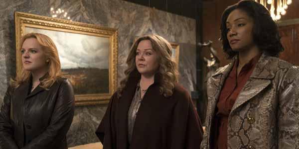 Le regine del crimine film al cinema: immagine tratta dal film con le tre protagoniste
