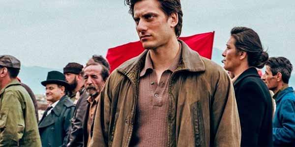 Martin Eden recensione film al cinema