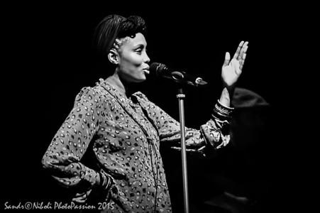 Emozionante Imany in concerto al Teatro Nuovo di Milano